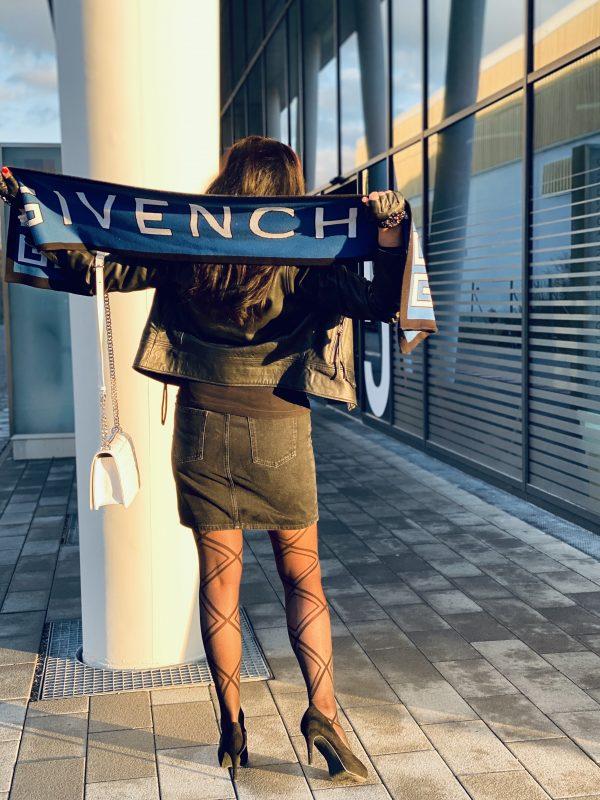 Givenchy scarf, Mango jacket, Lagerfeld gloves, Dolce & Gabbana shades, Calzedonia stockings, style for ladies, ageless fashion, fashionblog Augsburg, cochastyle, mystyle, eyewearblogger, eyewear, Jeansrock, Dior bag, designer wear, streetstyle, streetfashion