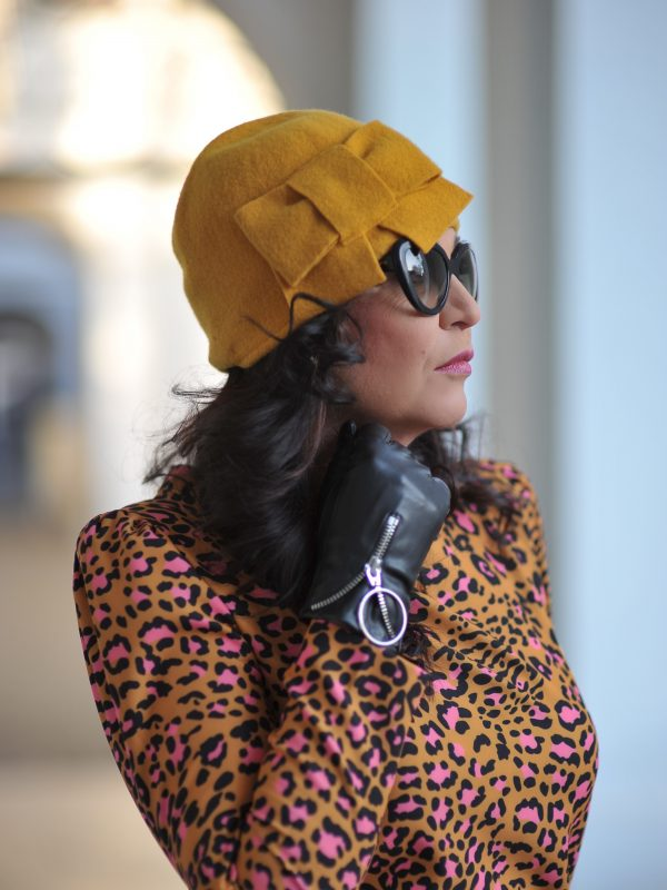 Pink leoprint look Kaos Spa, Valentino beltbag, Prada shades, Seeberger Hat, Mango gloves, Red Valentino Blazer, ageless fashion, style for ladies, over 50 woman, ageless style, italienische Mode, styleinspiriaton, Fashionblogger, eyewearblogger, eyeweartrends, streetstyle, total leoprint look, fashion for ladies, styleblogger, fashion and travel, Fashionblog Augsburg, cochastyle