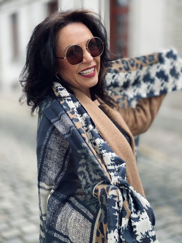 Coat with fringes, Maryley clothing, italia moda, Marc Jacobs shades, eyewear, eyewearblogger, mystyle, ageless fashion, over 50, stylish, fashion for ladies, fashionblogger, Fashionblog Augsburg, streetstyle, streetfashion, streetstyle, Nine West boots, cochastyle