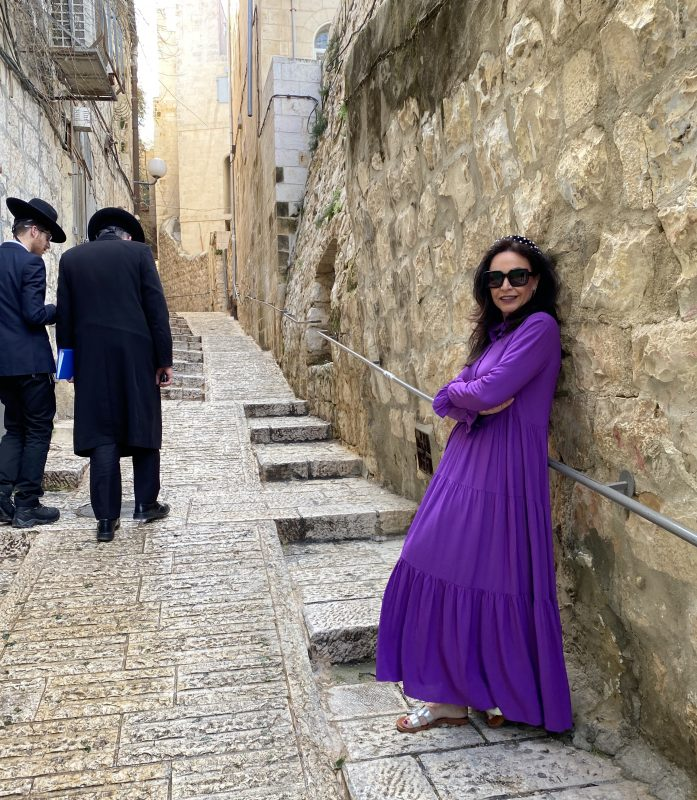 Purple dress, Burberry shades, Hermès sandals, mystyle, ageless fashion, eyeweartrends, eyewearblogger, fashion and travel, travelblogger, long dress, purple, colorsplash, Fashionblog Augsburg, cochastyle, streetwear, Zara, ruffles