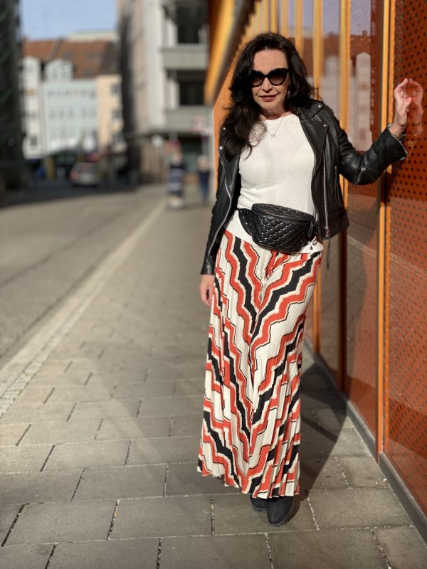 Palazzo pants Rinascimento, leather jacket Mango, belt bag Valentino, eyewearblogger, Prada shades, Prada glasses, eyewear trends, mystyle, ageless fashion, Fashionblog Augsburg, over50, 50pluswoman, styleinspiration, streetstyle