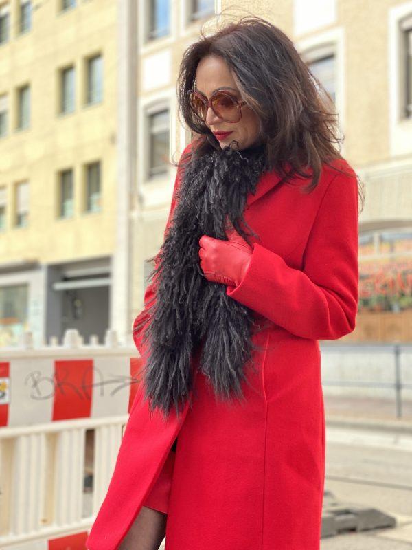 Red coat, Rinascimento, Scarf Lodenfrey, Asos shoes, Roeckl Handschuhe, ageless, mystyle, styleinspiraton, streetstyle, streetfashion, Tom Ford shades, eyewearblogger, eyeweartrends, Sonnenbrillen, designerwear, designer styles, Calzedonia, legwear, winteroutfit, cochastyle