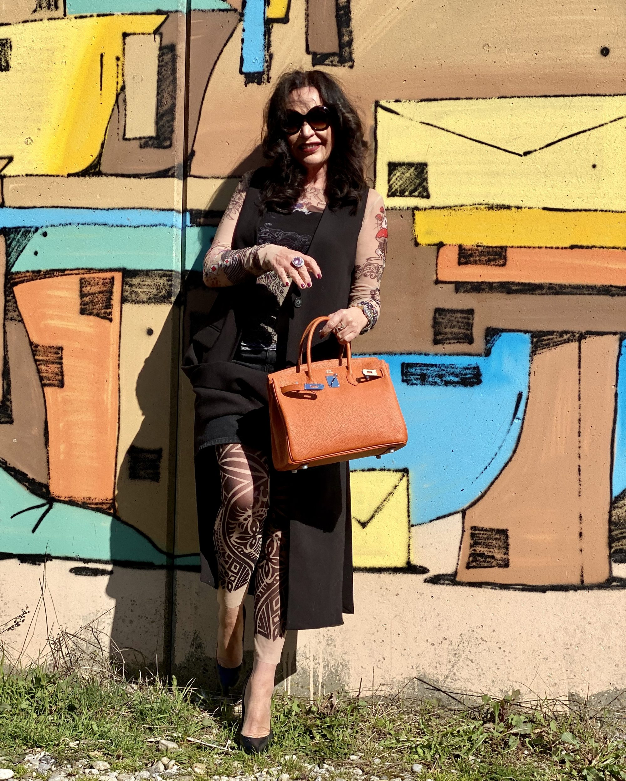 RO Skinwear top and leggings, Rinascimento jacket, Hermés bag, Nine West Shoes, Dolce & Gabbana shades, my style, ageless fashion, streetstyle, spring 2020, trends, fashionblogger, Fashionblog Augsburg, ageless, over50, cochastyle