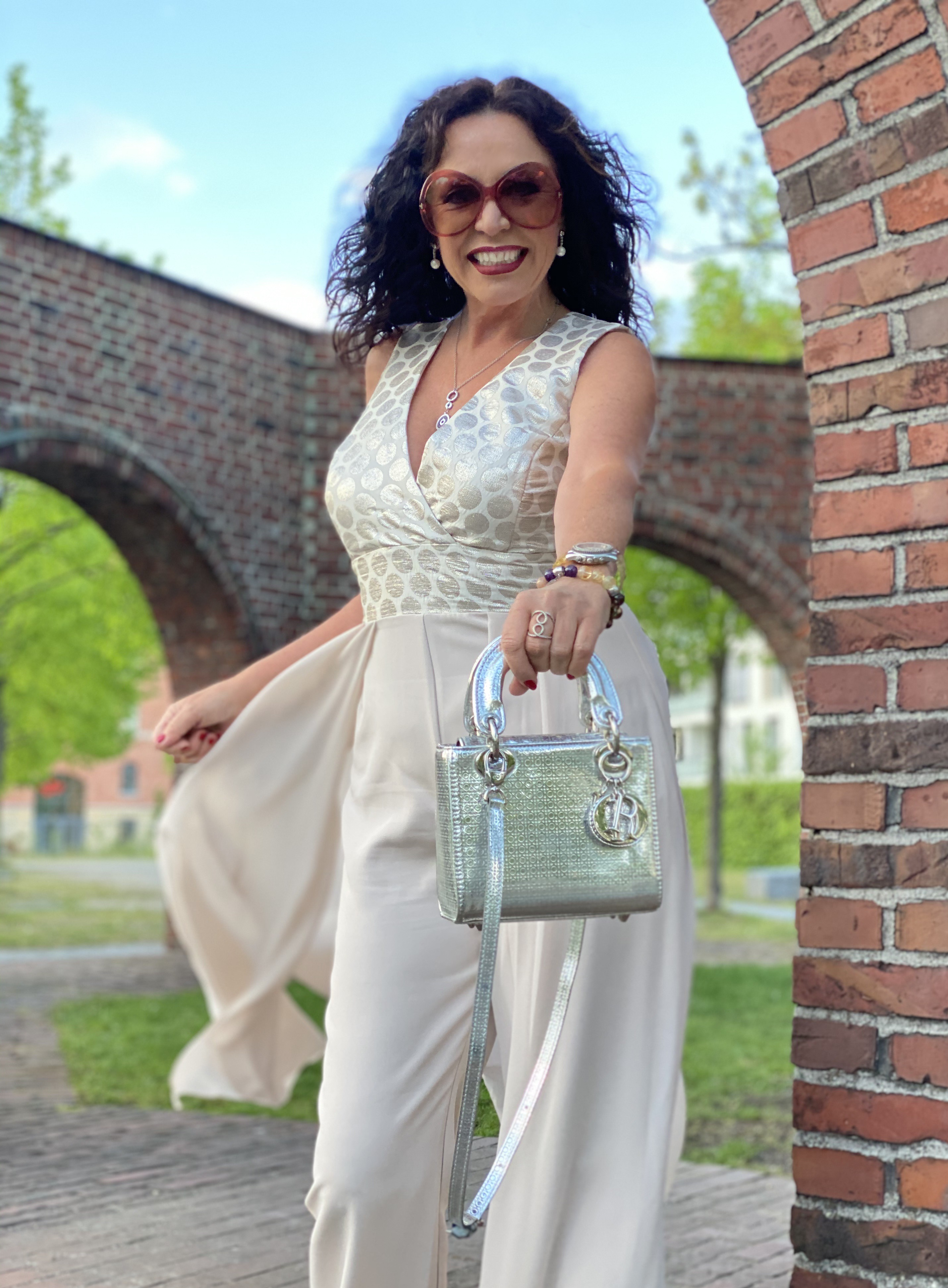 Partydress Rinascimento, Dior bag, Nine West shoes, mystyle, over50, eyewearblogger, Tom Ford shades, Sonnenbrillen, Brillenmode, italienische Mode, Partydress, Partystyle, Fashionblog Augsburg, Fashionblog ageless, Jewelryblogger, streetstyle, cochastyle, Fashionista, shoelover