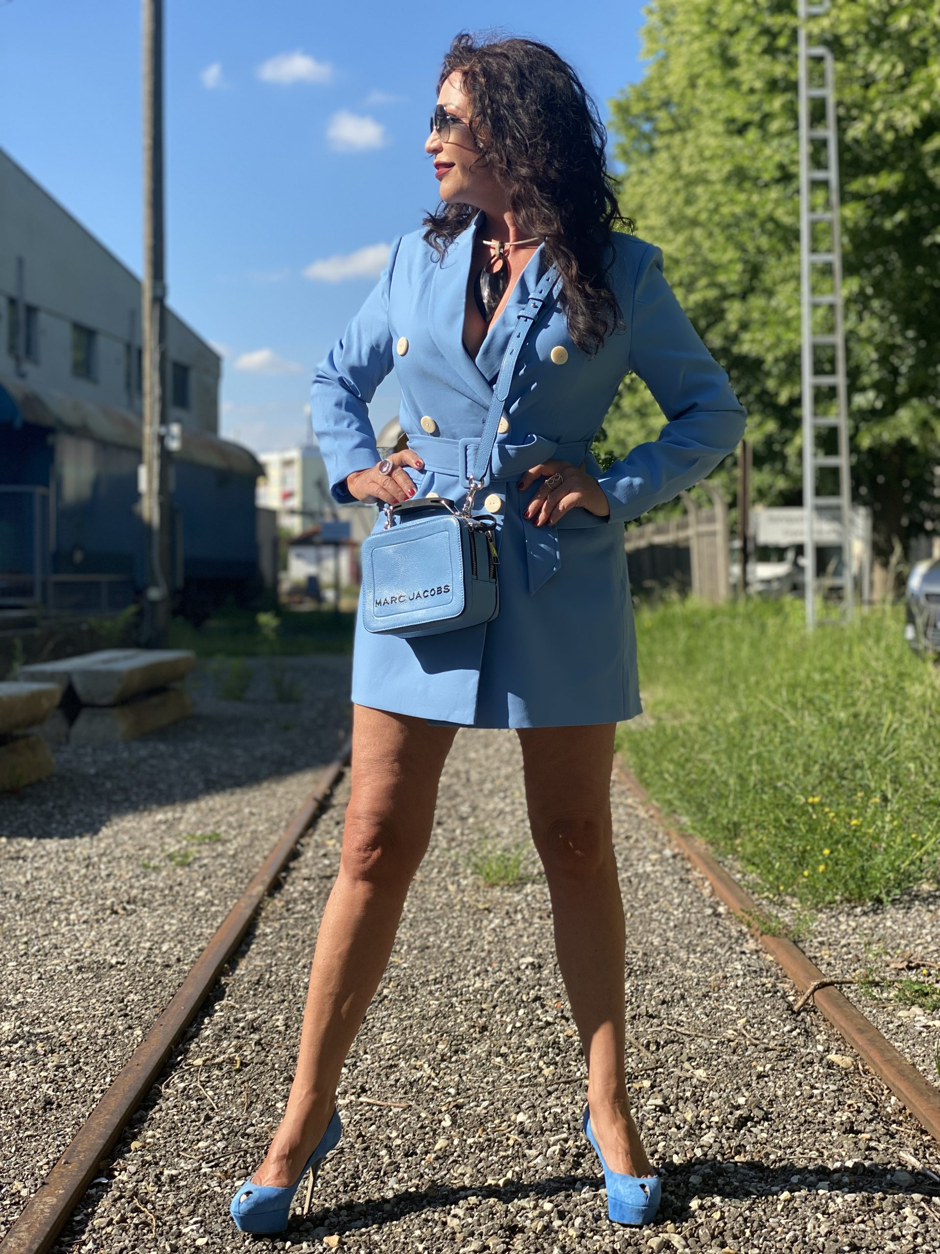 Blazerdress Stradivarius, Marc Jacobs bag, Sergio Rossi shoes, Ray Ban shades, shoelover, eyewearblogger, mystyle, over50, ageless fashion, ageless style, heels, cochastyle, Fashionblog Augsburg, streetstyle, streetfashion, bloggerstyle
