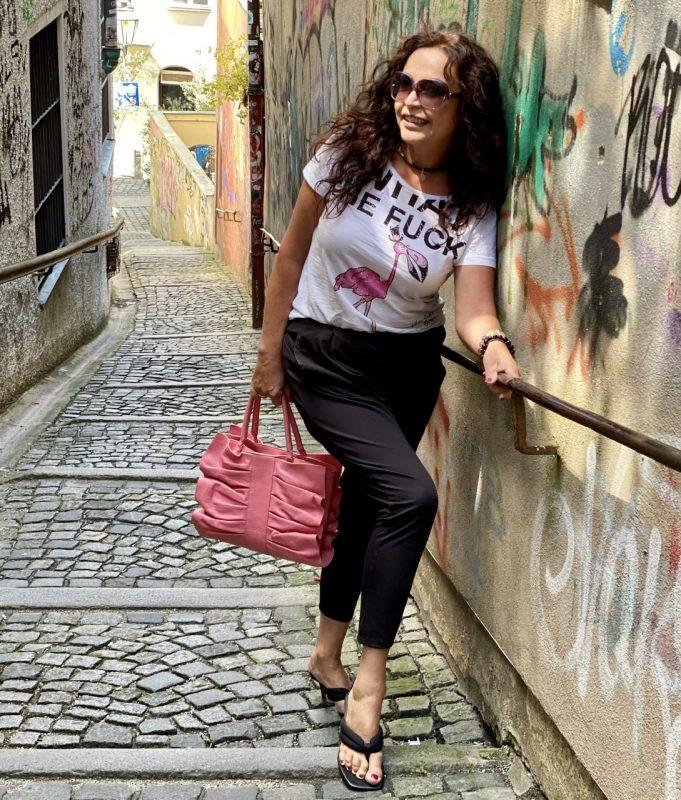 Red Valentino bag, Grace fashion shirt, Asos shoes, Gucci shades, mystyle, Fashionblog Augsburg, streetstyle, summervibes, streetwear, summerlook, stylish, cochastyle, eyewearblogger, eyeweartrends