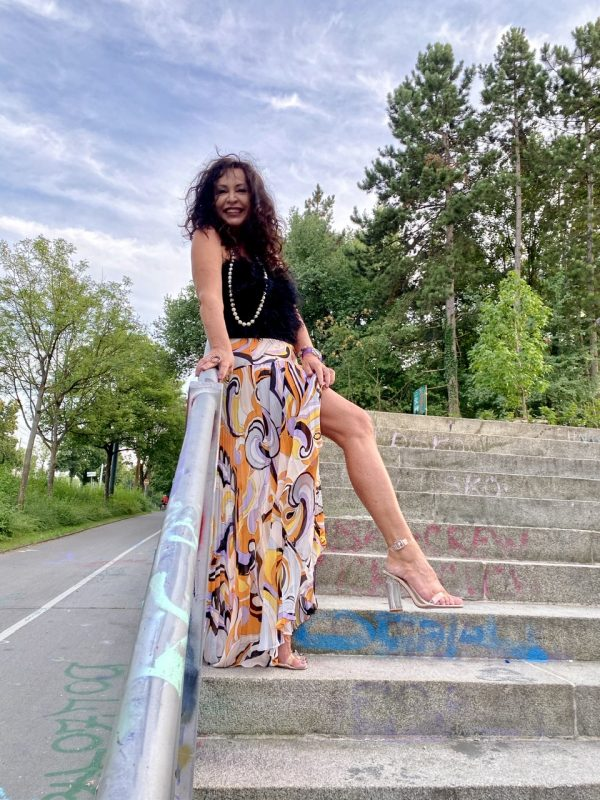 Marciano printed skirt, Beauty woman top, Nine West shoes, Fashionblog Augsburg, cochastyle, streetstyle, streetfashion, stylish, bestage, 50plus, summerlook, skirt, print, stylish, Fashionweek