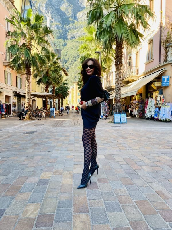 Calzedonia Chessboard tights, Valentino belt, Chanel bag, Rinascimento dress, Andy Wolf shades, fashion for ladies, Fashionblog Augsburg, mystyle, over50, stylish look, legwear, Strumpfhosen, eyewear, eyewearlove, streetstyle, cochastyle