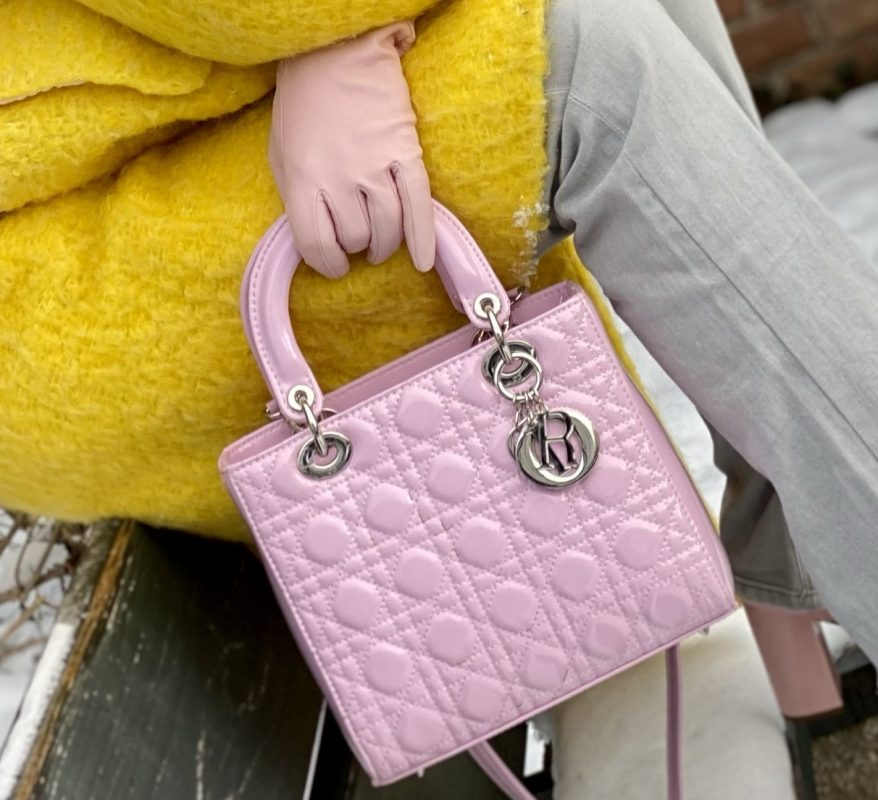 Pink and Yellow, Pink bag Dior, Pink Beret Benetton, Shades Dior, Yellow coat Mango, Jeans 7 for all Mankind, Shoes Asos, style for ladies, winteroutfit, streetstyle, mystyle, over50, agiles fashion, ageless style, timeless, winter special, colors, Fashionblog Augsburg, cochastyle