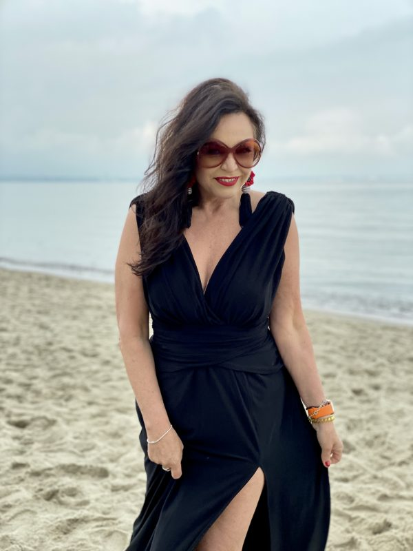 Black dress at the beach, Asos dress, Tom Ford shades, earrings, beachvibes, fashionblogger, fashion and travel, over50, 50plus, jewelryblogger, Fashionblog Augsburg, cochastyle