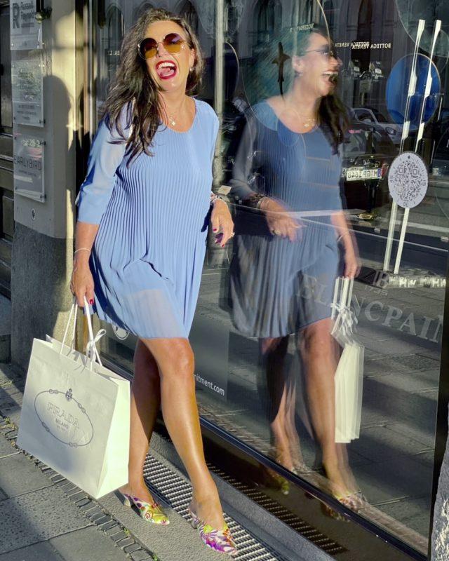 Blue Dress Elena Bender Augsburg, Dior bag, Roeckl Scarf, RAS Shoes, Chloe shades, mystyle, ladies fashion, ageless style, ageless, ageless fashion, fashionblogger, blogger, 50plusblogger, summeroutfit, summervibes, Fashionblog Augsburg, cochastyle