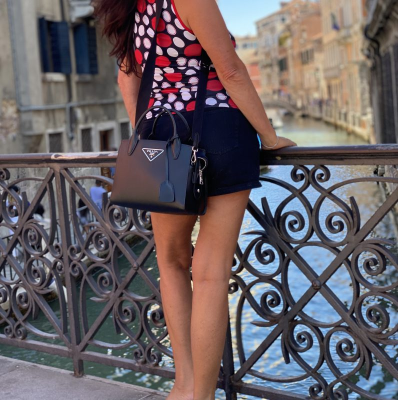 Italia Moda, Top Mango, Shorts Zara, Bag Prada, Shades Caroline Abrahm Paris, Shoes Nine West, Style for Ladies, Fashionblogger, Summeroutfit, Baglover, Ageless Fashion, Fashionblog Augsburg, Fashion and Travel, mystyle, Dots, Polkadots, cochastyle