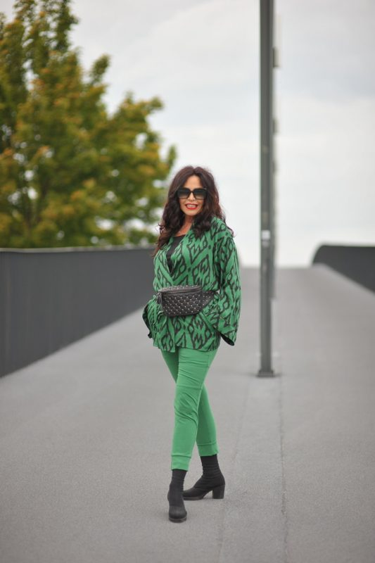 Ancoramoda, Beltbag Maison Valentino. Shades L'altraotica, mystyle, bestager, over50, fashion for ladies, ageless, ageless style, ageless fashion, fall21, Print, colorful, Herbstmode, Herbst21, Tunika, Fashionblog Augsburg, cochastyle