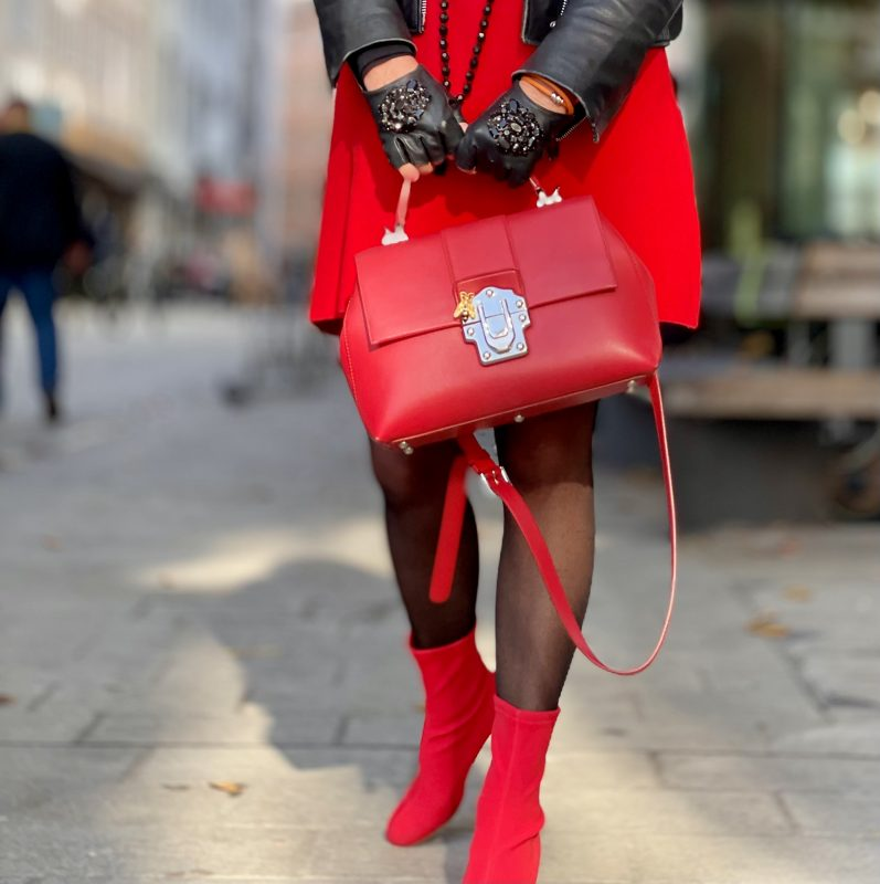 Red, Red Dress Zara, Boots Morgantini, Gloves Karl Lagerfeld, Leather Jacket Mango, Shades Tom Ford, Bag Dolce & Gabbana, mystyle, ladies fashion, bestager, ageless style, ageless, colors, fall outfit, fall 21, Herbstmode, Styling, Fashionblog Augsburg, Cochastyle